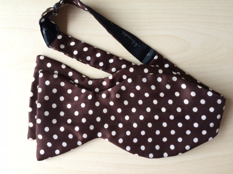 BROWN DOT BOWTIE