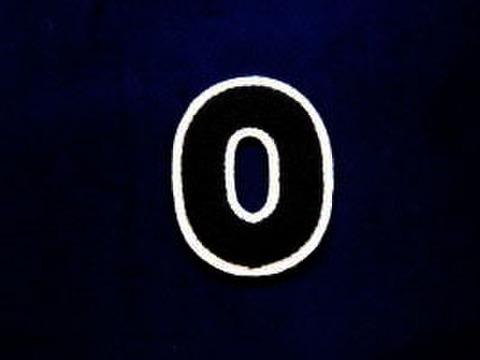 シニール2.5inch丸型「O」紺/白/‐ ランクB