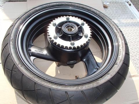 XJR1300 リアホイール スプロケ タイヤ付き 美品