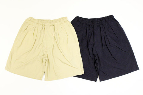 "COMFORTABLE REASON (コンフォータブルリーズン) "" Pile pocket 2tuck Nylon shorts "" Exclusive"