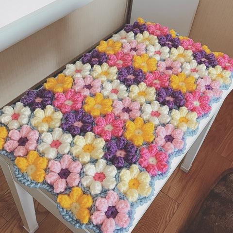 【受注製作】ピアノ椅子用の角座 お花モチーフ
