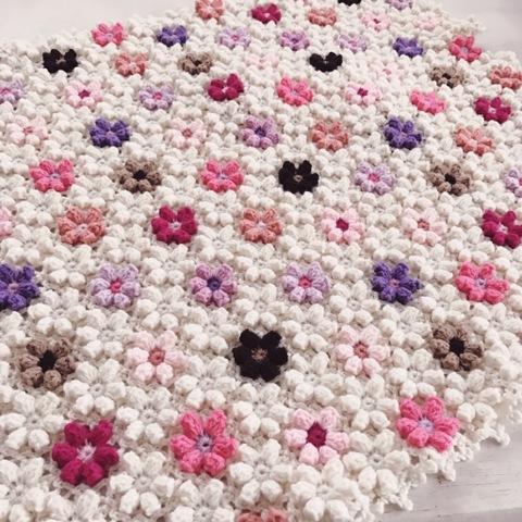 【受注製作】手編みのブランケット お花モチーフ ホワイト
