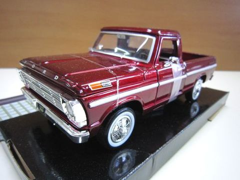 Ford F100 Pickup  レッド 1969 1/24 新品