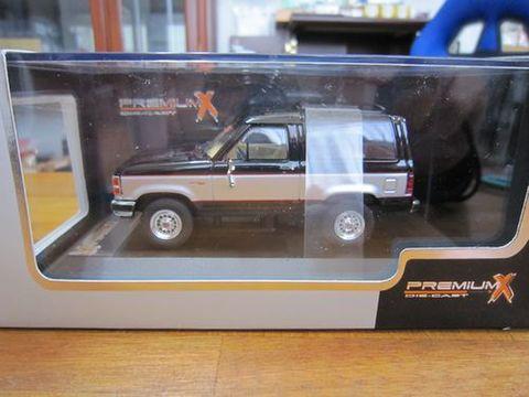 フォード ブロンコⅡ 1989 ブラック/シルバー 新品