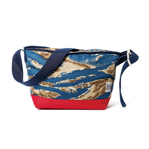 GRAVYSOURCE TIGER SHOULDER BAG