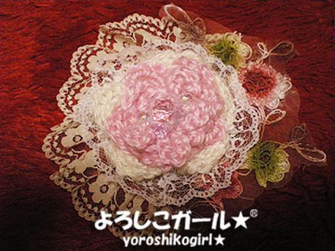 よろしこの花飾り010 ピンク&ホワイト、レース(ヘアピンバッジ大)