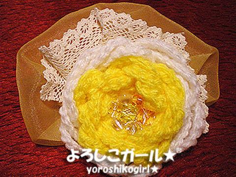 よろしこの花飾り015 ホワイト&イエロー(ヘアピンバッジ大)
