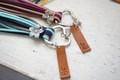 3色タッセルとハートのキーリング キーホルダー