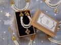 3連淡水真珠とビンテージトップのネックレス
