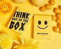 キープ・スマイリング・デック(Keep Smiling Yellow V2 Playing Cards)