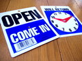 OPEN/CLOSED CLOCK MINI SIGN