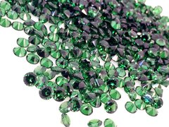 ダイヤカット7×4 グリーン キュービックジルコニア