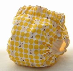 サイドスナップ(パンツ型)布おむつカバー(ヒツジさんドット 黄)