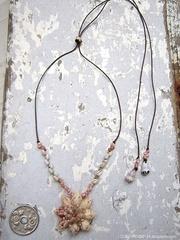 Euplica Zakuro Shell Flower Top kahelelani Necklace