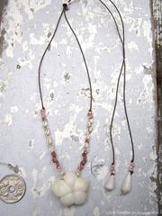 Moon Shell Flower Top Zakuro & kahelelani Necklace