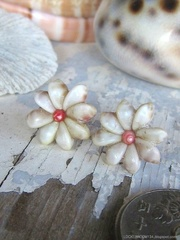 Zakuro Shell Flower pin pierce No,10