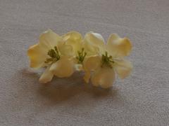 【送料込】お花のバレッタ(WT)