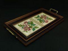 ヴィクトリア時代のタイルで作った薔薇のトレー