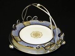 お皿を取り替えられるケーキスタンド/バスケット ヴィクトリア時代