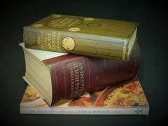 奇跡の美品!ミセスビートンの家政書(1948年版)+約40年前と40年後のミセスビートンの本