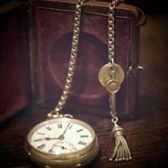 アンティークの懐中時計 スターリングシルバー(純銀)ヴィクトリア時代
