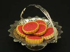 ヴィクトリア時代のレーシーなケーキバスケット