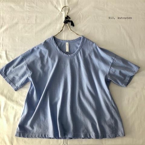 ラスト1点*一枚で着られる UネックのフレアーTシャツ