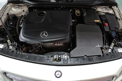 Mercedes-Benz W176A250 / C117CLA250 アルミ エアインテーク