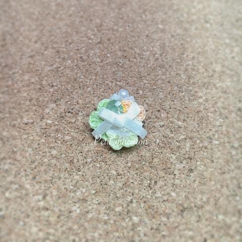 レース編みの小花ブローチ07