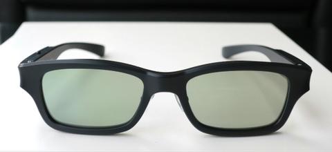 【偏光レンズの濃度をスイッチひとつで瞬時に変えられる】「SHUNKANサングラス」