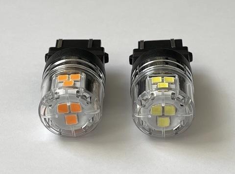 3157・3156 兼用(T25 ウェッジ)/ウルトラ 3030 LED(15pcs) 900LM/2個セット(白・橙)12V車用