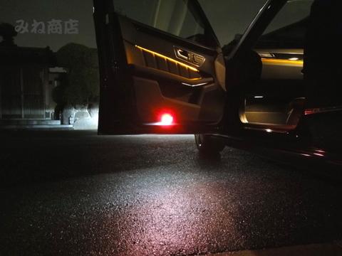 メルセデスベンツ Eクラス W212 前期・後期/Epistar 3030 monster LEDドアカーテシランプ/Benz-E/W212 前期・後期