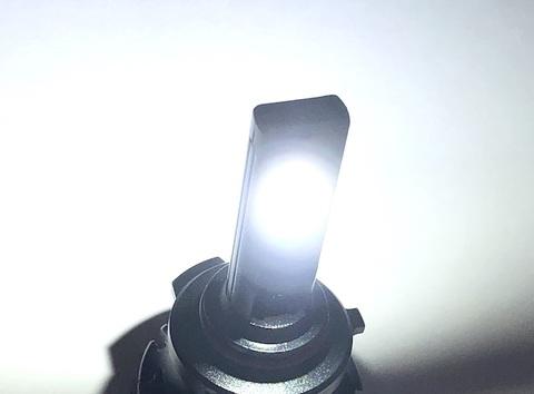 LEDヘッドライト(HB3/HB4 兼用)LED 7035 C.S.P/12000lm(6000K)12V車/24V車 兼用(車検対応)