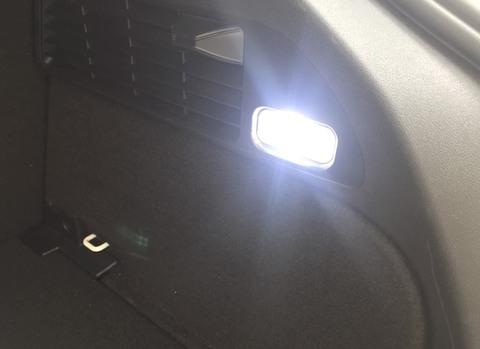 アウディ Q3(8U)ラゲッジルーム & グローブボックスランプ/Epistar 3030 monster LED/AUDI Q3