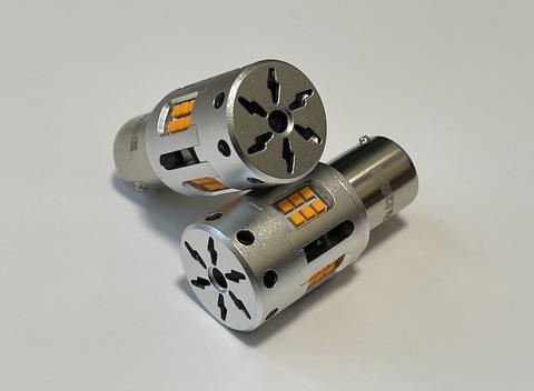[ショートタイプ] S25(シングル)冷却ファン付きハイフラキャンセラー内蔵 LEDウインカーバルブ・橙(アンバー)180°ピン(BA15S)150°ピン角違い(BAU15S)12V車専用