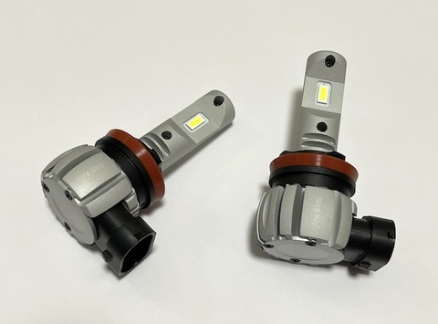[一体型ポン付け] LEDヘッドライト・フォグランプ(H8/H9/H11/H16jp 兼用)LED 7035 C.S.P/8000lm(6000K・3000K)12V車/24V車 兼用(車検対応)