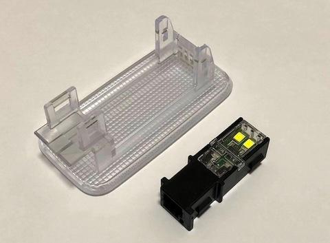LEXUS RX450hL・RX450h・RX300 純正交換用 LED(SMD2835) ラゲージルームランプ(トランク灯)GYL2#/AGL2#(後期)