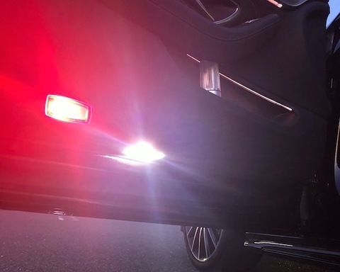 メルセデスベンツ Cクラス C205・クーペ/Epistar 3030 monster LEDドアカーテシランプ/Benz-C C205 クーペ(前期・後期)