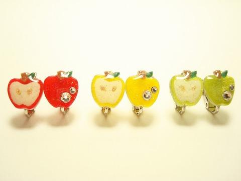 リンゴのイヤリング