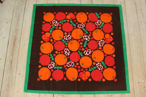 クリスマスモチーフの大判プリントクロス/オレンジ(84×85cm)