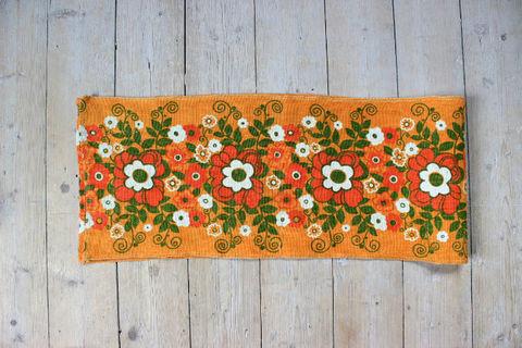 オレンジのお花のレトロプリントクロス