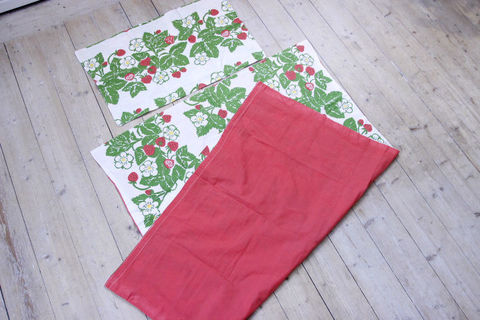 イチゴ柄の子供用デュベカバーと枕カバーセット(84×106cm/56×36cm)