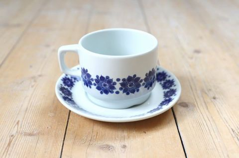Figgjo(フィッギオ)/ブルーのお花のティーカップ1