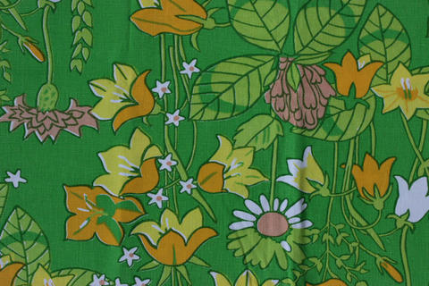 スウェーデンで見つけたレトロな花柄のファブリック(70.0×90.0cm)