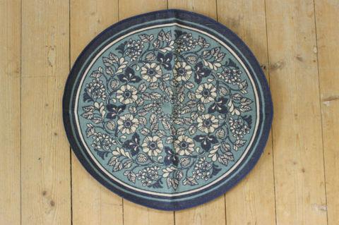 スウェーデンで見つけたブルー×お花のプリントクロス(47×44cm)