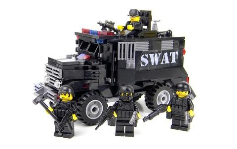 SWATアームドアサルトバン+SWATスコードロンセット