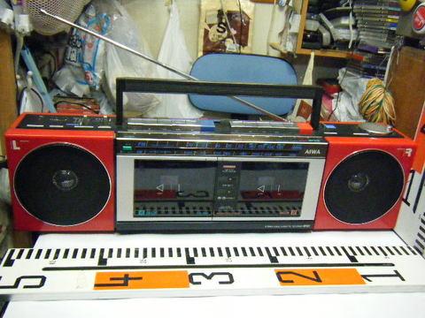 AIWA ダブルCASSETTE RECORDER CS-W33