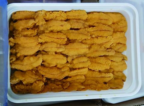 4 生冷凍ウニ(チリ産・ミョウバン不使用)