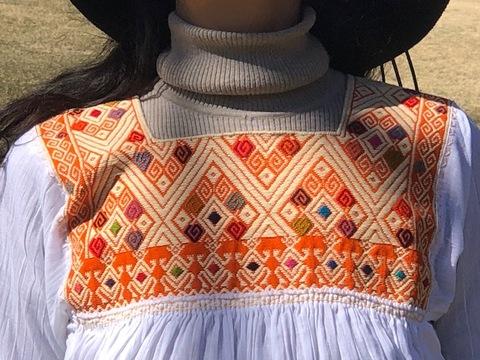 マヤンブラス サンアンドレスララインサール村 手織り 白×オレンジ