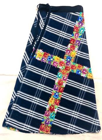 マヤン巻スカート 藍(チェック)+花刺繍)